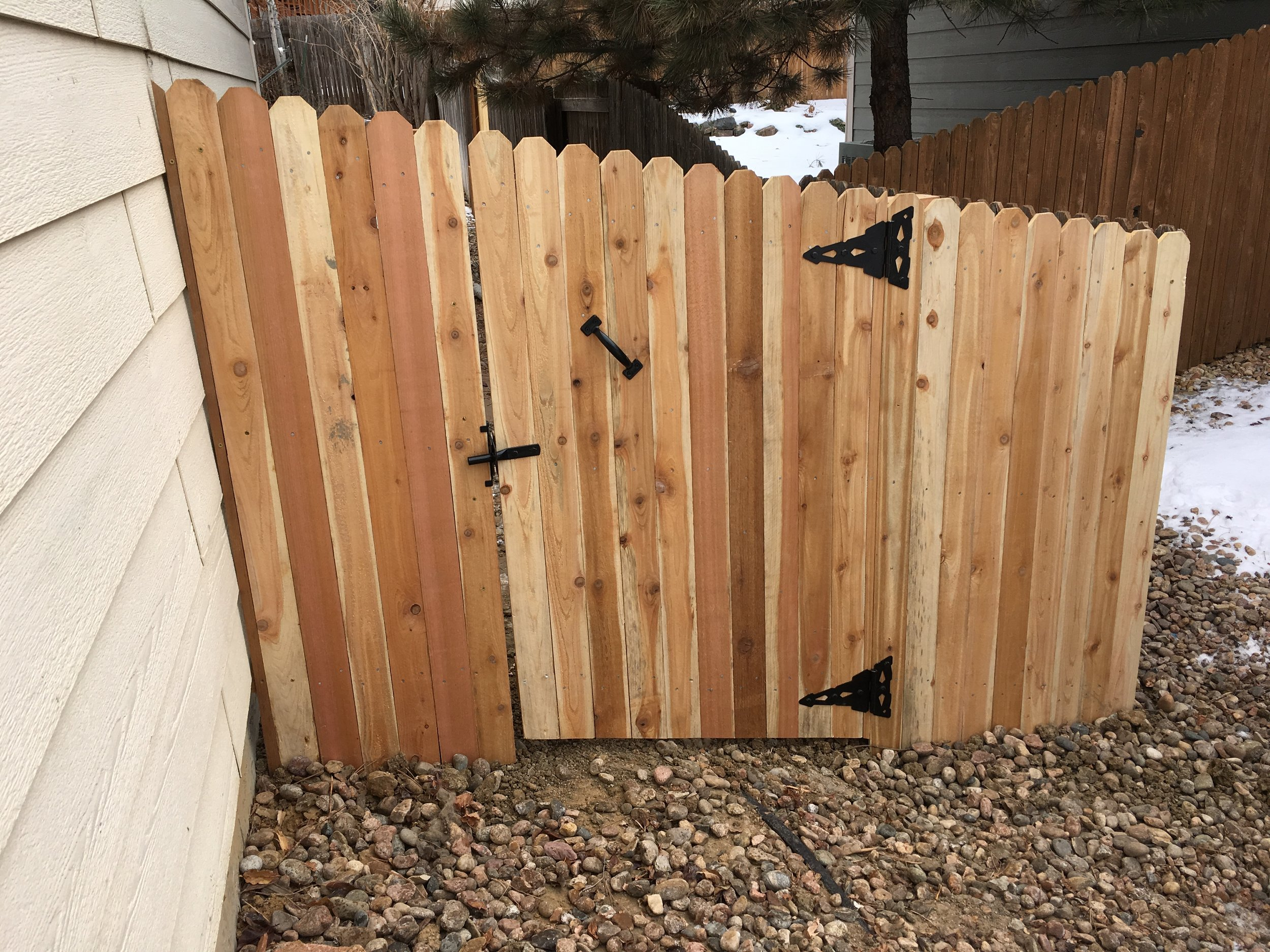 Residential walk gate - cedar