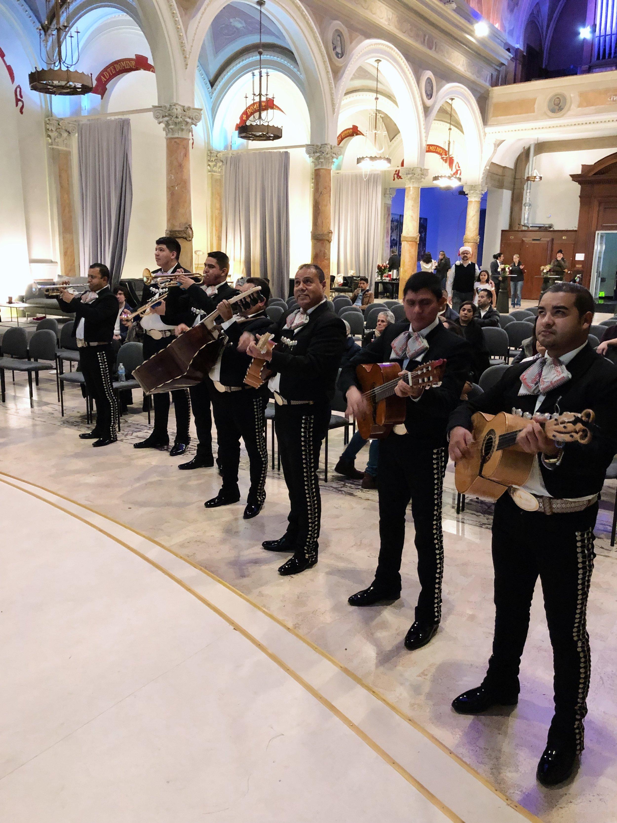 mariachis6.jpg