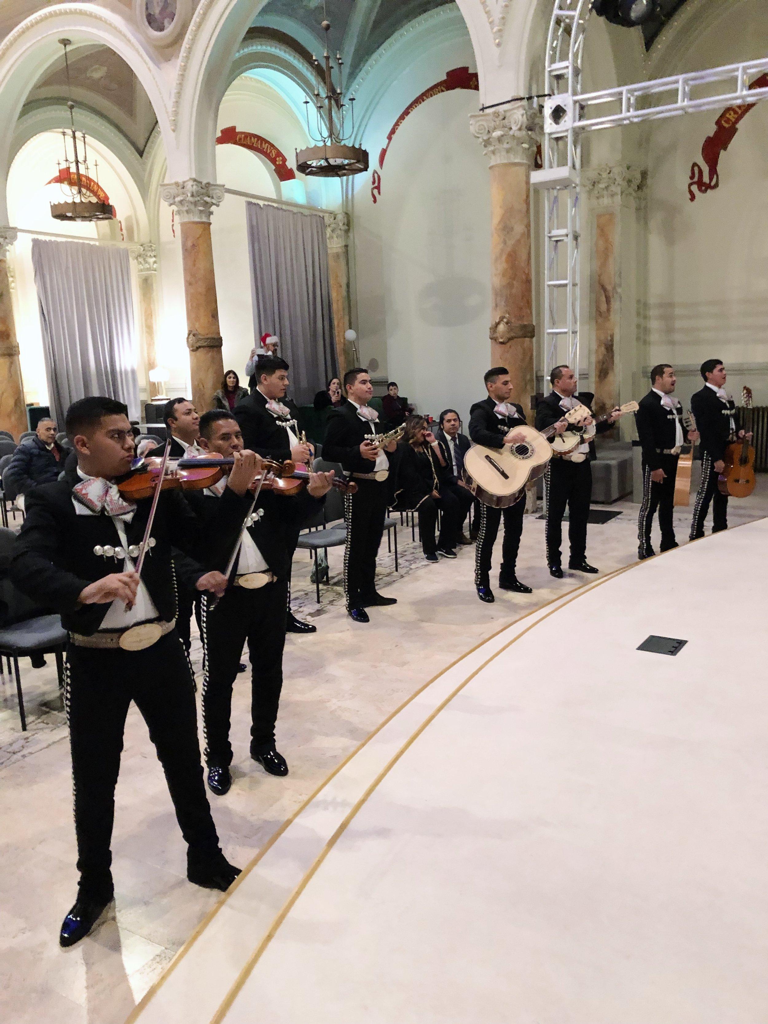 mariachis8.jpg