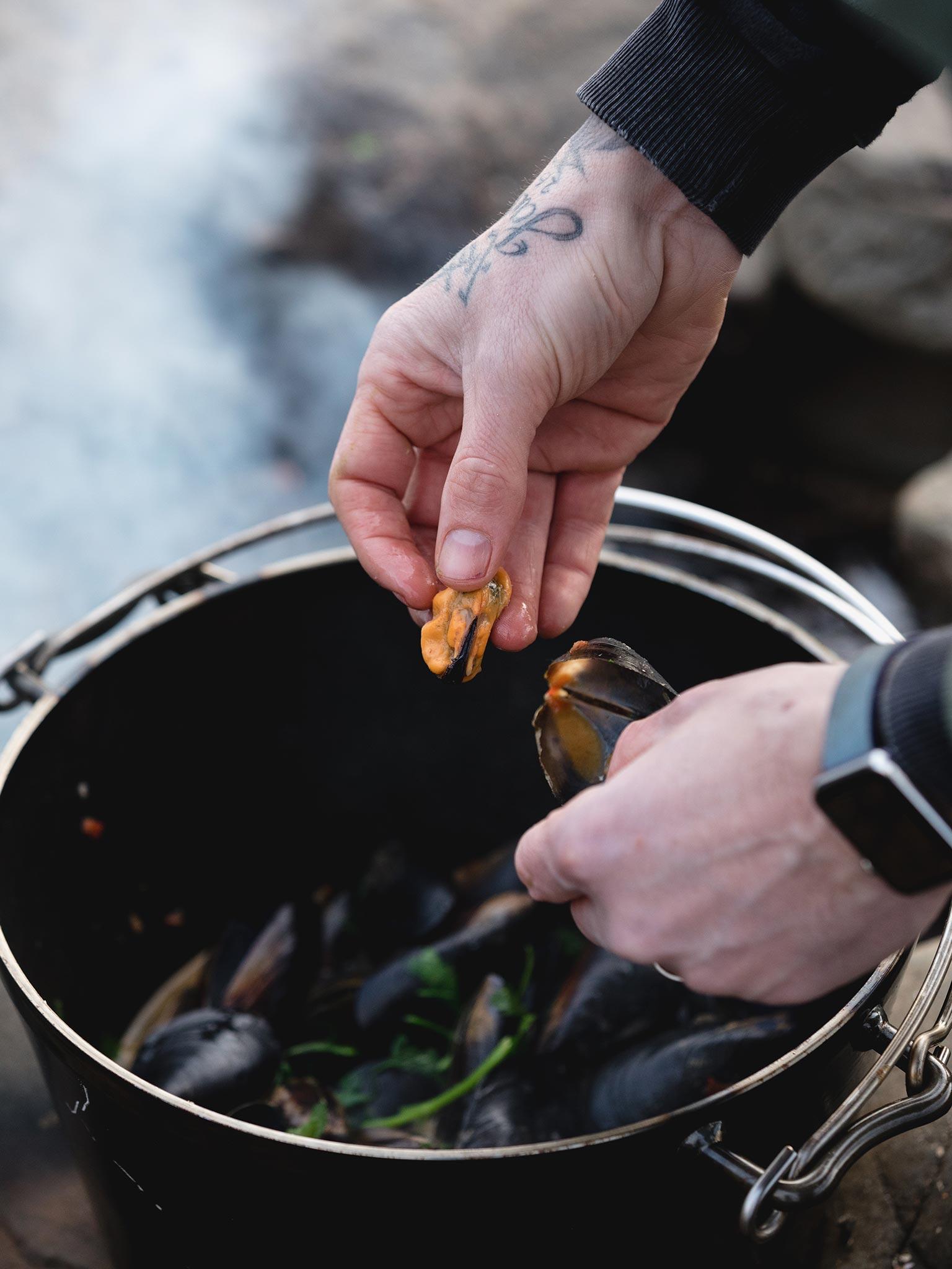 Mussels-in-Sea-Urchin-Butter-web.jpg
