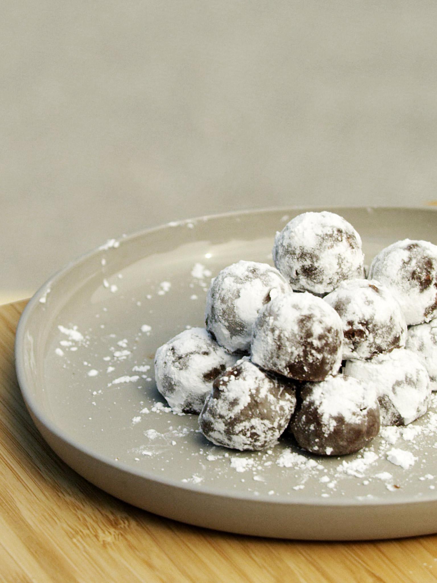 3-055-Chocolate-Truffles-cap-web.jpg