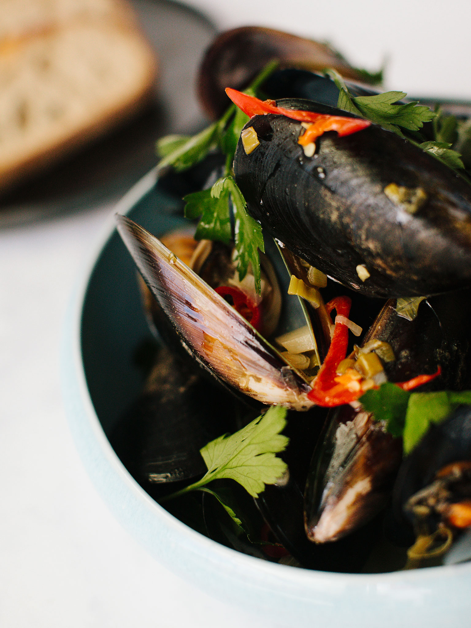 3-128-Mussels-Poached-in-White-Wine-004-web.jpg