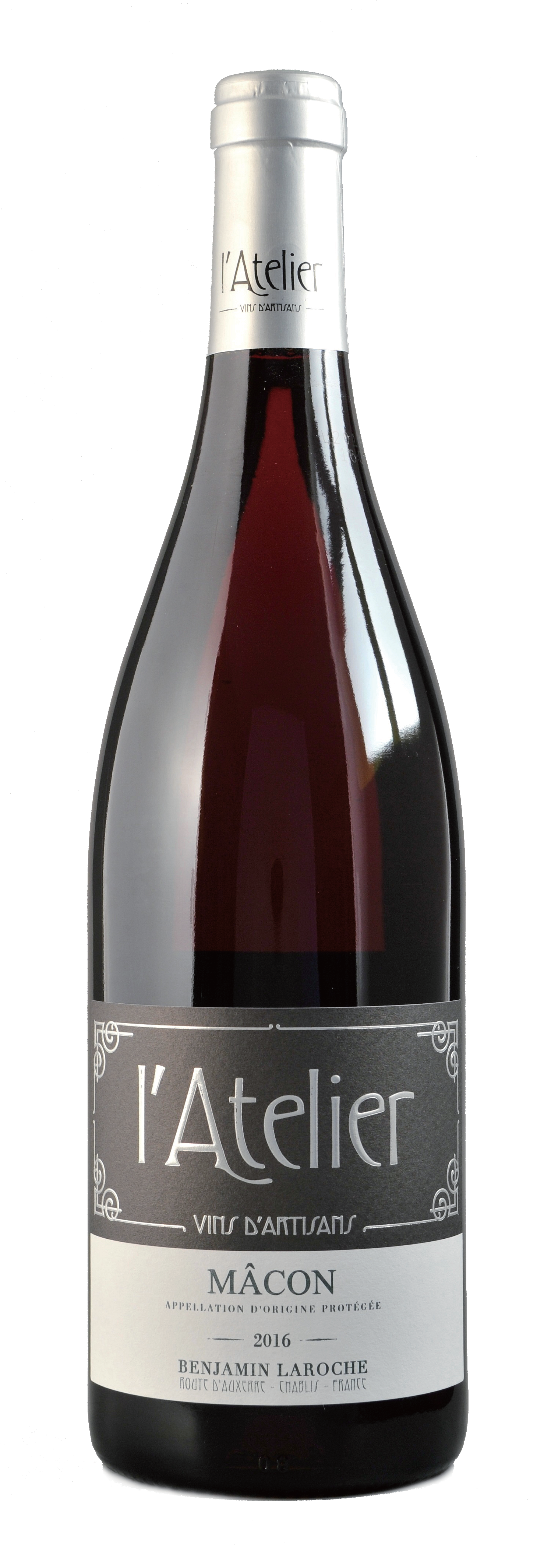 AOP Mâcon 2016, 750ml - Burgundy 布根地100% GamayNT$ 900有著Gamay葡萄品種的典型櫻桃紅色,略帶點紫色澤。紅色、黑色莓果(醋栗、藍莓)等香氣,這款Macon新鮮活躍且扎實的結構,是一款能與美食搭配合宜的葡萄酒,年輕時酒體較為緊實,陳年後轉化為柔和細膩。Cherry red colour with violet hints typical of Gamay. On the nose, aromas are developing with little red and black berries hints (gooseberries and blueberries). Vivid and nervous, this Mâcon is well structured with a spontaneous nature. Friendly wine for gourmet drinkers, firm in its youth, it softens with age.