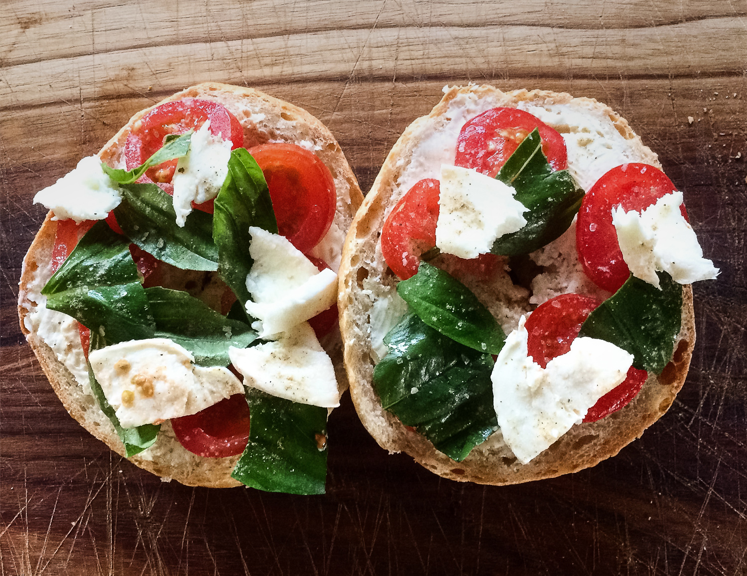 BAGEL    with Tomato, Basil and Mozzarella