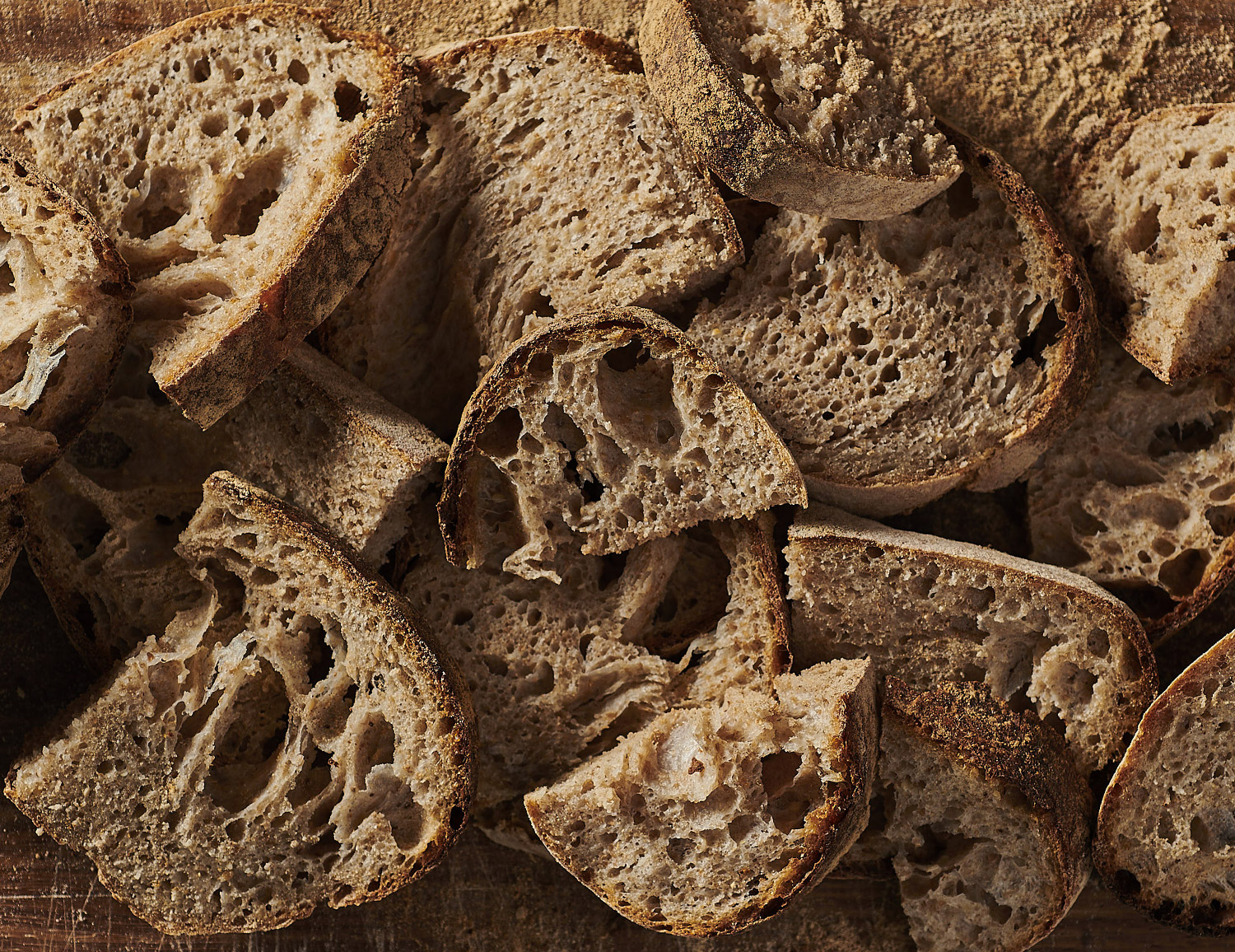 WHOLE-WHEAT & SESAME SOURDOUGH    Croutouns