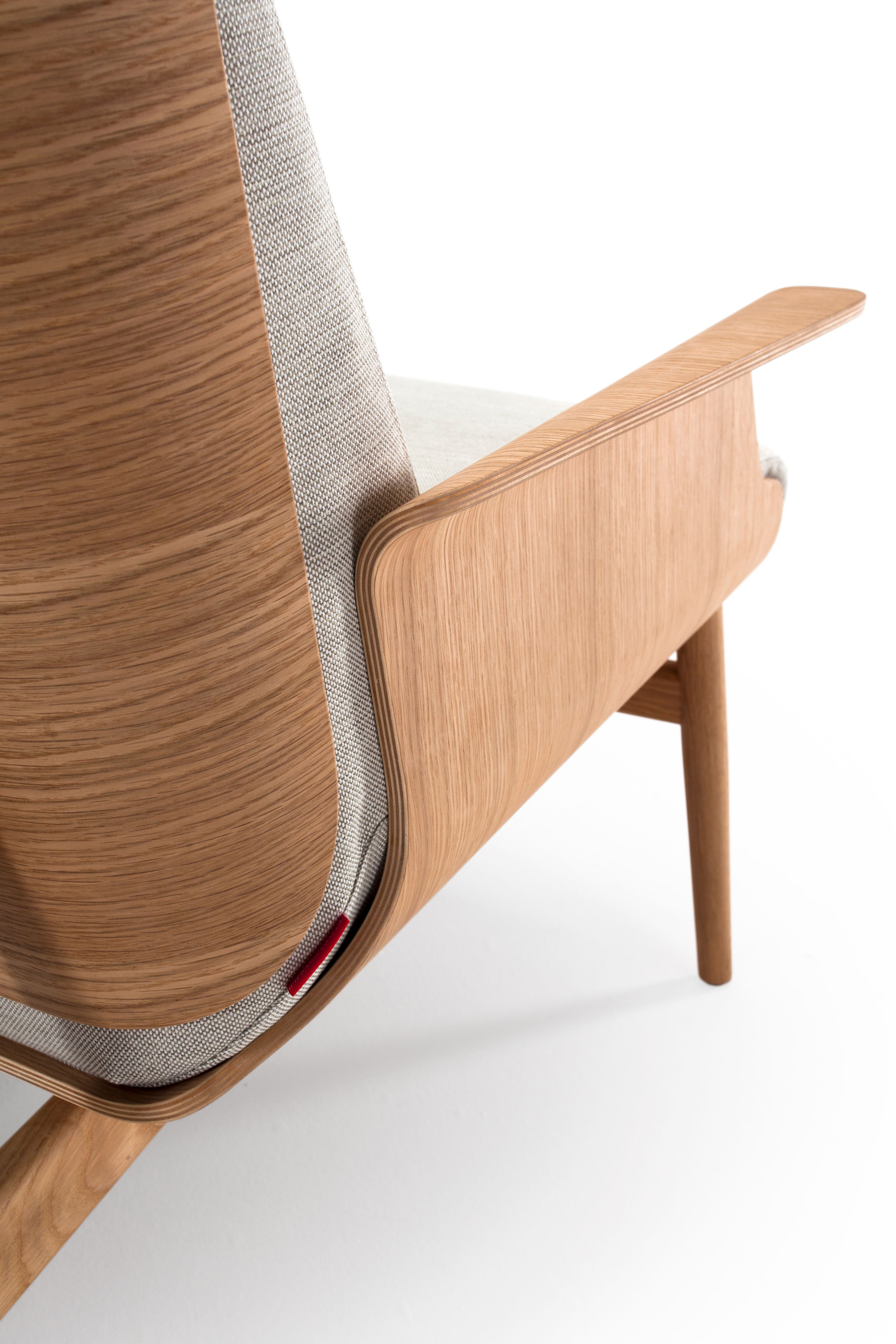 saga-lounge-chair-oliver-lukas-weisskrogh.jpg
