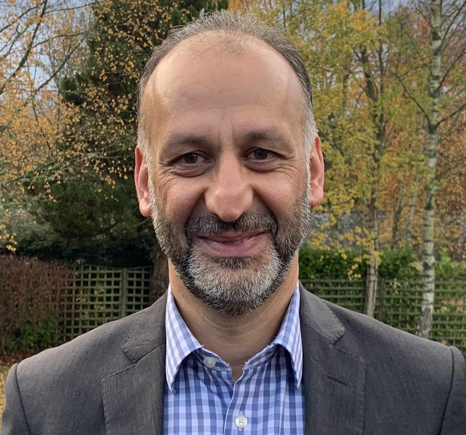 Mr Farzad Alipour-Tootoonchi - Consultant Orthopaedic & Trauma Surgeon - Mr Alipour is a consultant Orthopaedic and Trauma Surgeon based in Tayside. He has been a Trauma & Orthopaedic consultant in NHS Tayside since 2004.Mr Alipour graduated his medical degree (MBCHB), from University of Dundee in 1991. He has completed his Trauma and Orthopaedic training in Tayside and Inverness, obtaining his FRCS Ed (Trauma & Orthopaedic) qualification in 2001. This was followed by a year of fellowship training at the Alfred Hospital, Melbourne, Australia in lower limb arthroplasty (Hip & Knee Replacements), major trauma and reconstructive Orthopaedic surgery. He is fully registered with the General Medical Council as an Orthopaedic and Trauma Surgeon.Mr Alipour's main elective Orthopaedic sub-speciality interests are in hip and knee replacement procedures, as well as knee arthroscopic (key hole) surgery. He has extensive experience in these procedures, both in the NHS and in private health care settings.Mr Alipour is the current lead for the East of Scotland Major Trauma Ward based at Ninewells Hospital, Dundee. He has vast experience in the management of acute orthopaedic trauma as well as reconstructive trauma surgery. He has been the immediate past clinical governance lead of the Orthopaedic and Trauma department of NHS Tayside (2011-2016). He is a senior clinical teacher to the undergraduate and postgraduate masters students of the University of Dundee.Mr Alipour has offered private practice treatment from the BMI Fernrae Hospital in Dundee since 2005, and following closure of this unit in April 2019, he has transferred his private practicing privileges and admission rights to the BMI Albyn Hospital in Aberdeen as well as the BMI Kings Park Hospital in Stirling.Mr Alipour offers consultation clinics on all aspects of hip and knee problems at Tayside Complete Health clinic in Dundee, and undertakes surgical treatments at the Albyn and Kings Park Hospitals in Aberdeen and Stir