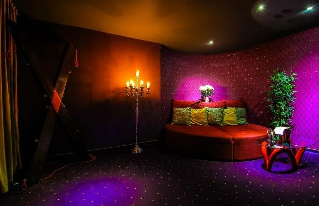 Erotično-savnarski klub Marina na Ajševici pri Novi Gorici ima petnajst dvoposteljnih sob. Foto: Marina Klub