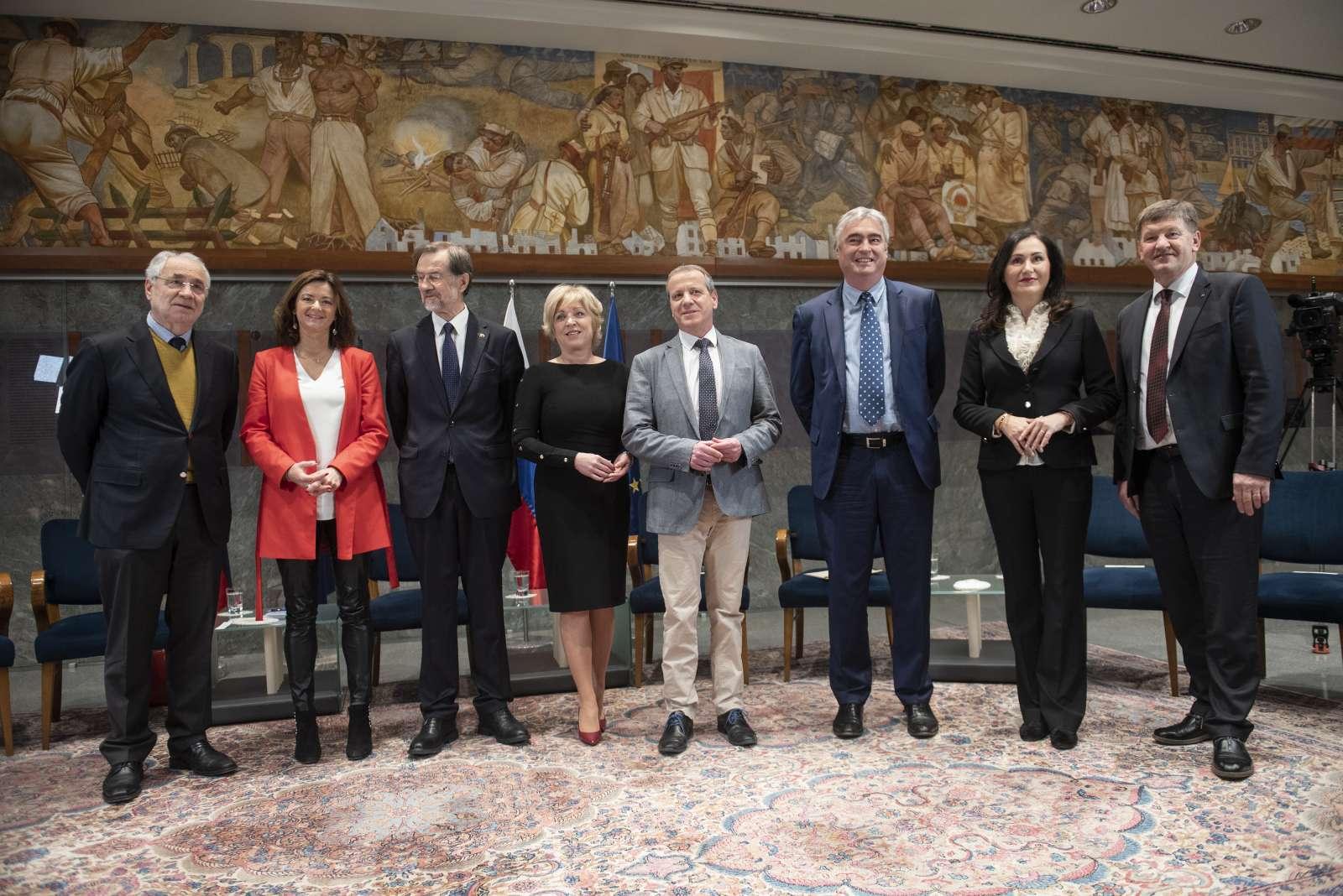 Slovenski evroposlanci na posvetu v državnem zboru z naslovom Zakaj na EU volitve?, 21. januarja 2019. Foto: Bor Slana/STA