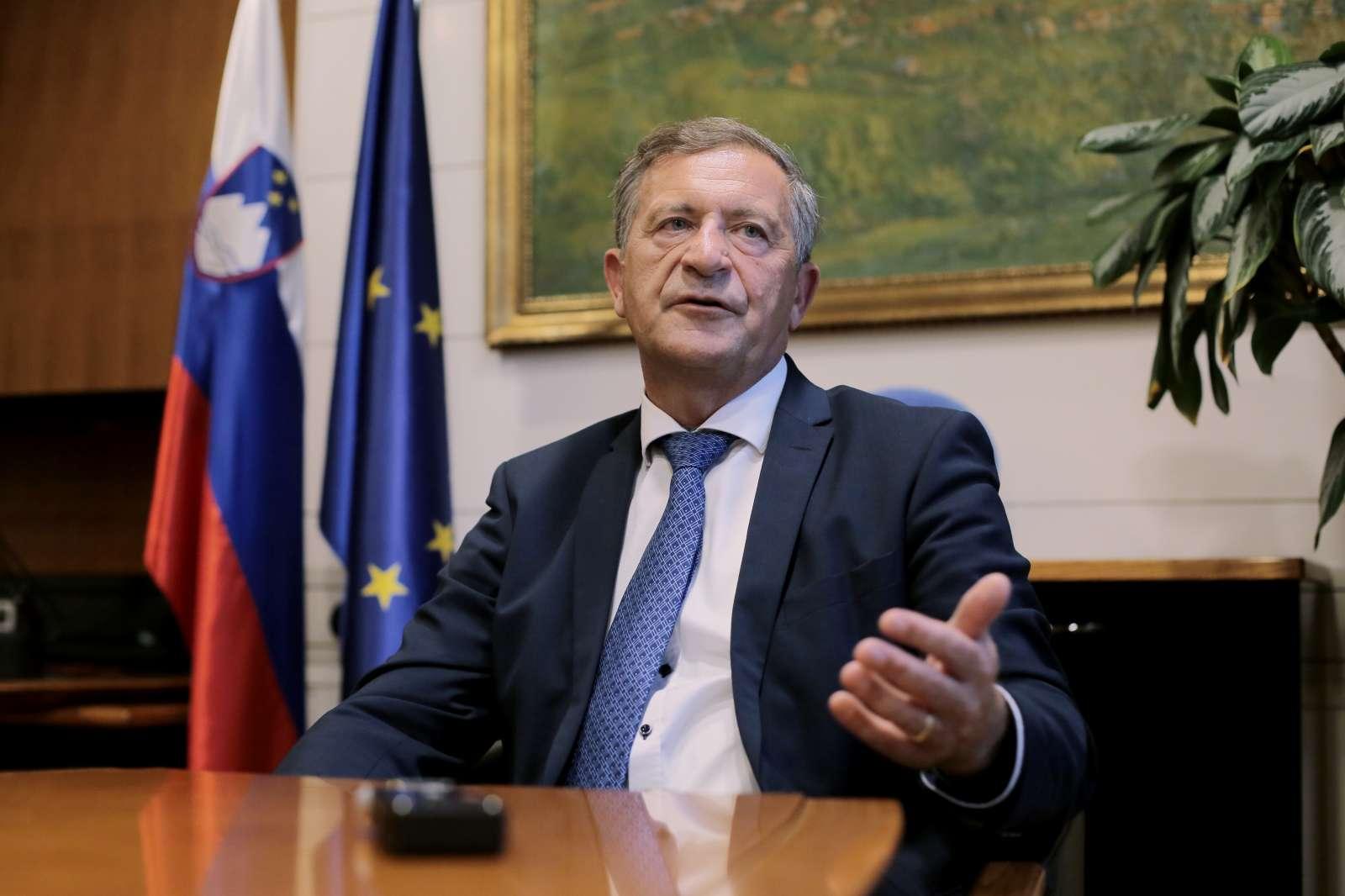 Minister Karl Erjavec. Foto Daniel Novakovič/STA