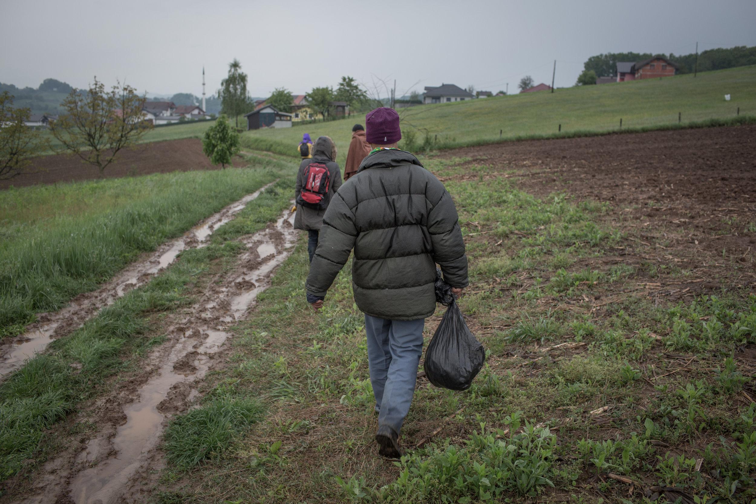 Finding a place to rest in Velika Kladuša after Croatian police returned them to BiH.