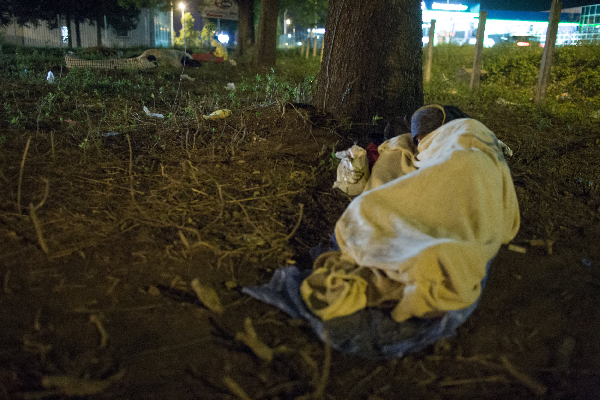 For many migrants, there is no space in the migrant center and they are forced to sleep outdoors, Bihać, BiH.