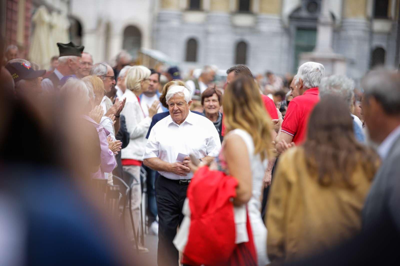 Milan Kučan poleg pokojnine prejema dodatek, ki ga je vpeljal zakon o zagotavljanju pogojev za opravljanje funkcije predsednika republike. Foto: Anže Malovrh/STA