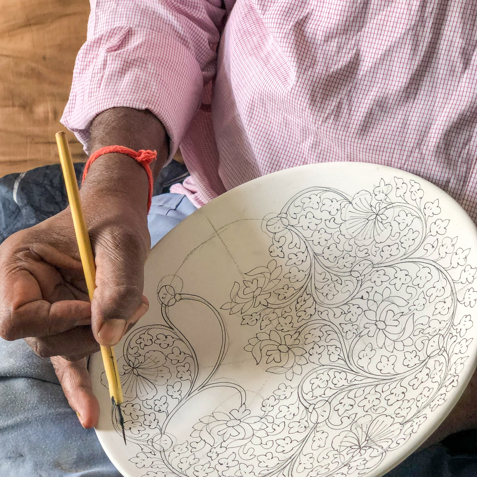 blue_pottery_hand_drawing