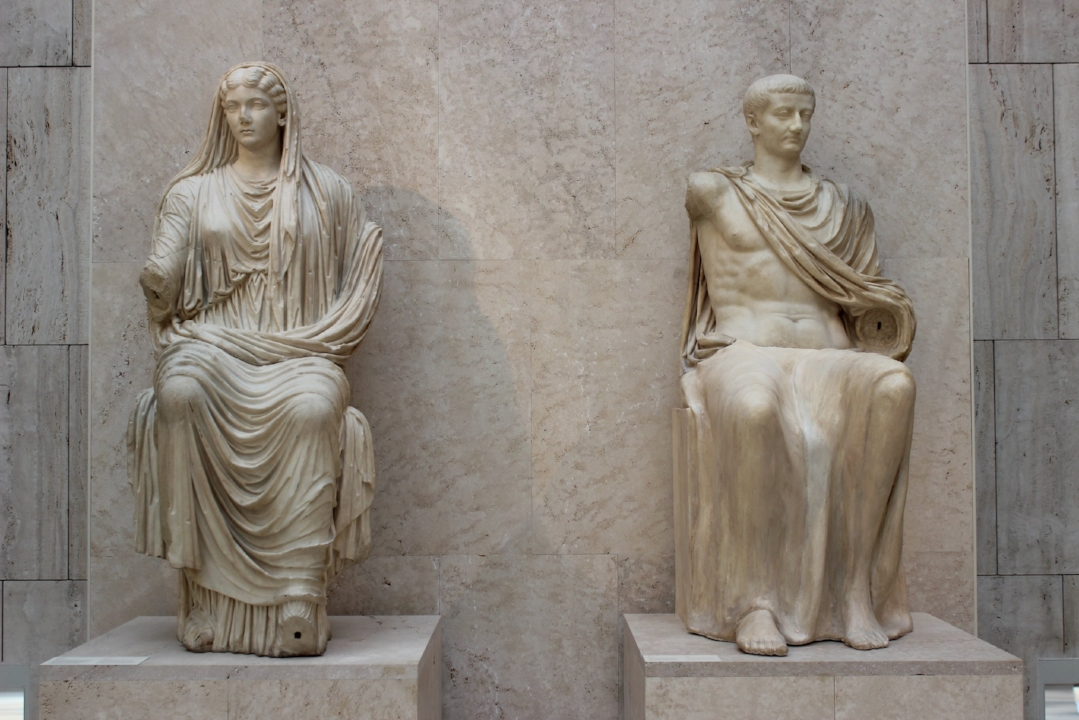 Livia en Tiberius in het Nationaal Archeologisch Museum in Madrid, circa 14-19 na Christus.