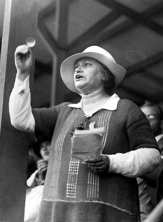 Suze Groeneweg, het eerste vrouwelijke Kamerlid, op een ongedateerde foto (Collectie Spaarnestad Photo)