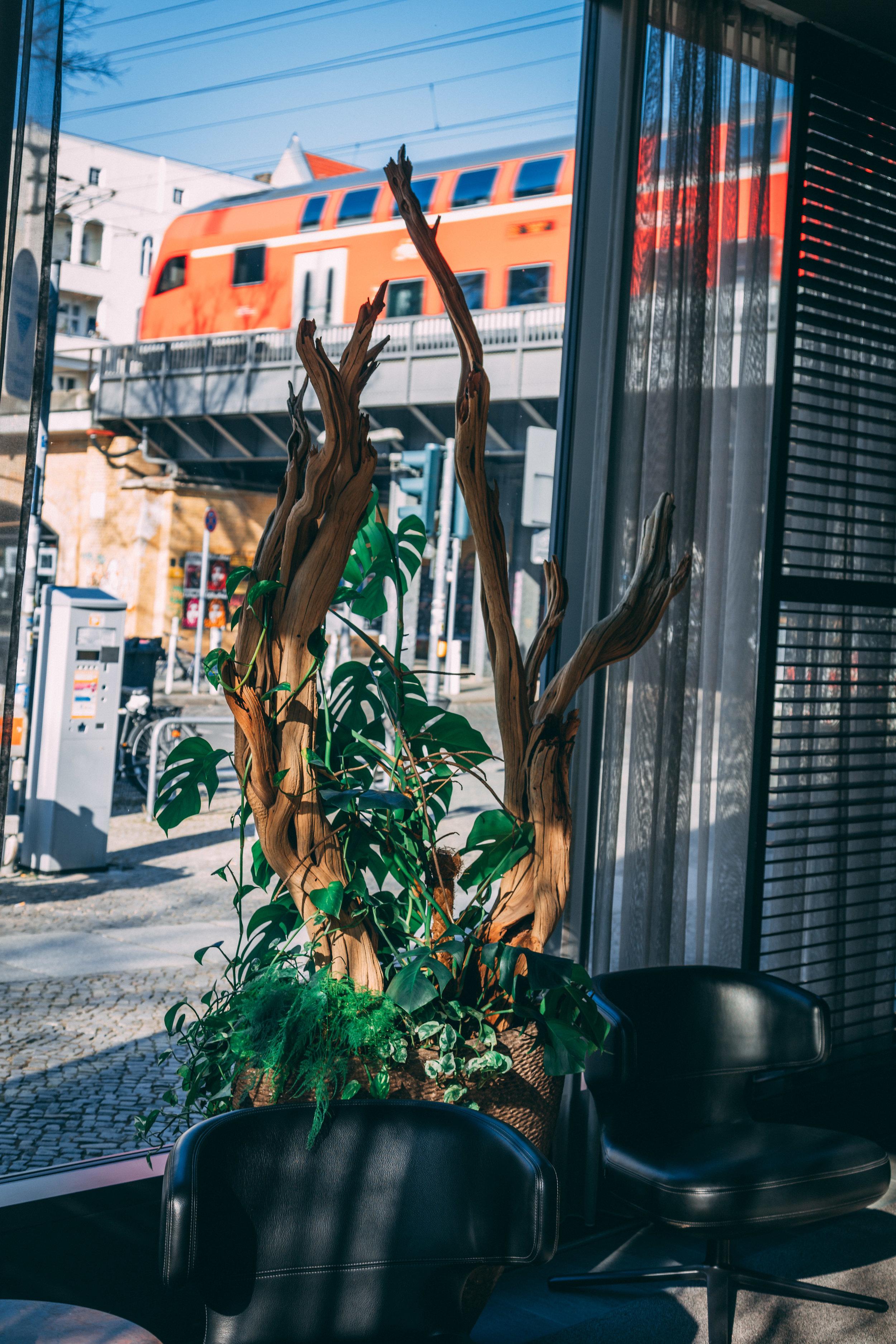 Sug-SeanxPaulaPotry-Hotellok80-Berlin-2.jpg