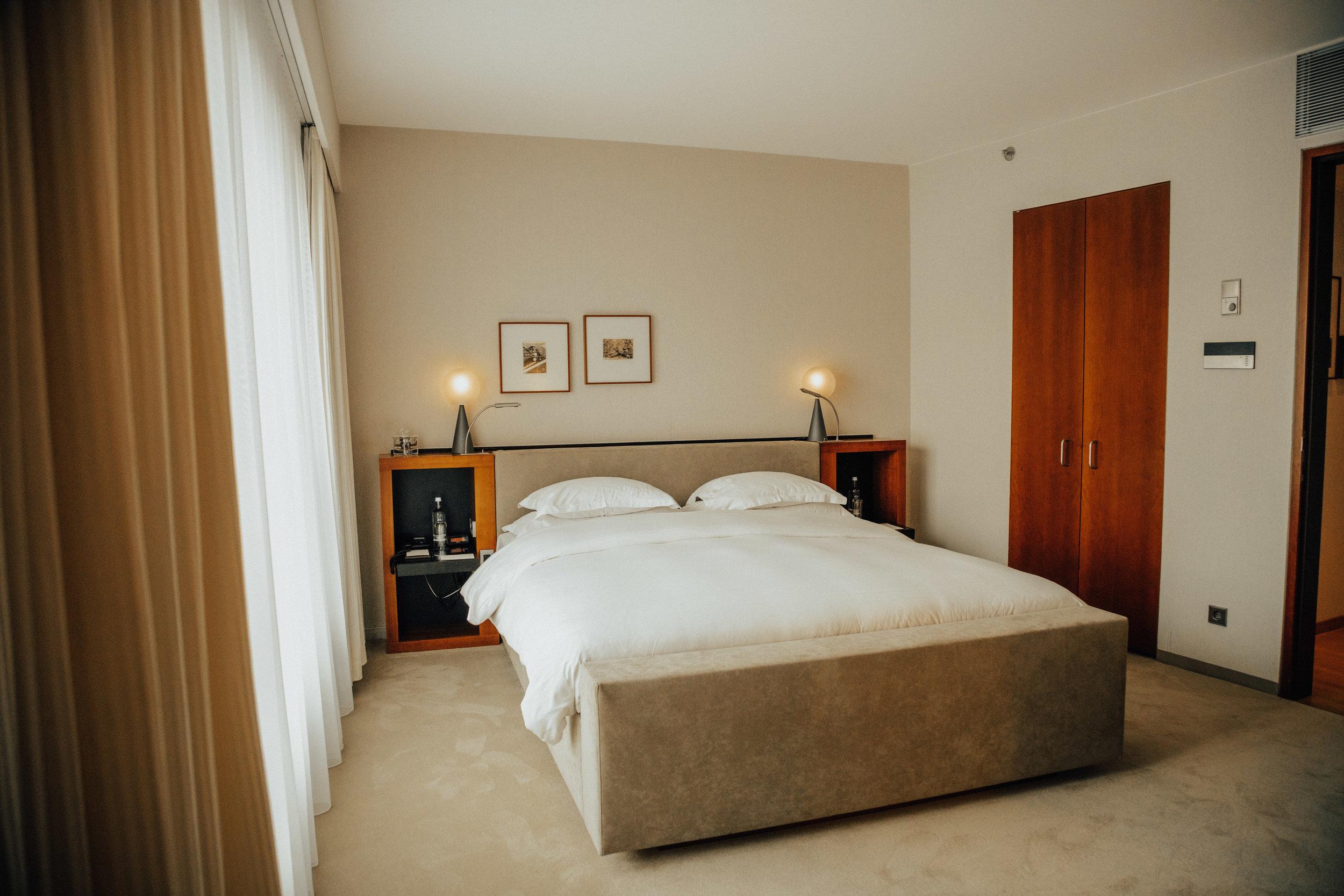 Sug-SeanxPaulaPotry-Hyatt-hotel-Berlin-12.jpg