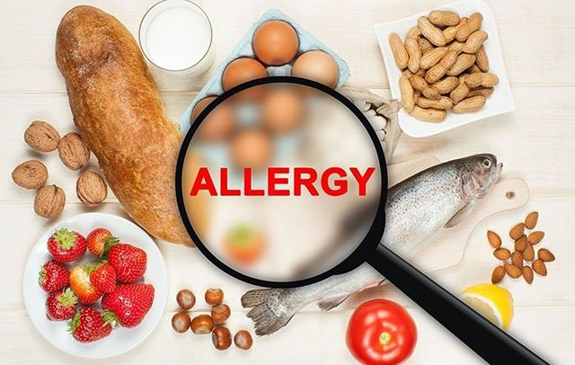 Food allergies are on the rise! But why? The causes have not yet been positively identified but there are a few contributing factors and our Westernised diet is thought to be a major one! Time spent indoors can cause Vitamin D deficiency and eating low fibre and ultra processed foods can limit the amount of good bacteria in our guts and cause inflammation in our bodies. These combined factors can prevent our immune systems from working properly. So what can we do about it? Reduce your intake of processed foods by cooking from scratch, increase the fibre content of your diet, step outside in the sunshine as much as possible and reduce your use of antibacterial cleaning agents. #foodallergy#fibre#allergyprevention#dietitian4kids#healthyeating#vitaminD#ultraprocessedfoods