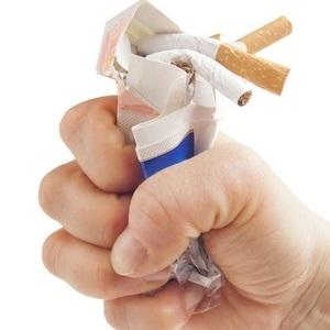 fijngeknepen sigarettenpak.jpg