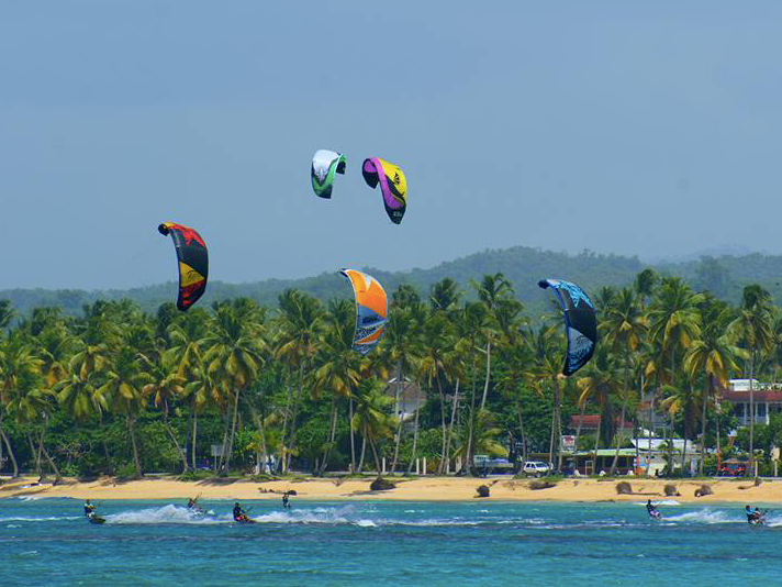 Practice Kitesurf - Whether you have been kitesurfing for a while or you want to learn this activity for the first time, Las Terrenas is the perfect place for it! Its constant winds are perfect to enjoy this activity. At the hostel we have a kitesurfing school that offers a free trial, visit their website for more information! https://www.kitesurflasterrenas.com/