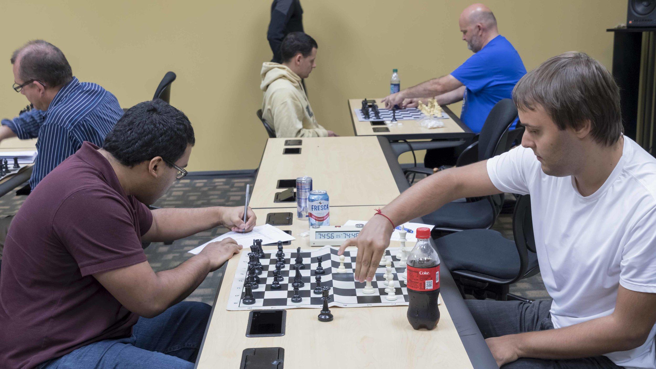 Round 4, Board 1, Makaio Krienke (2187) (L) vs NM Martin Hansen (2212) (R)