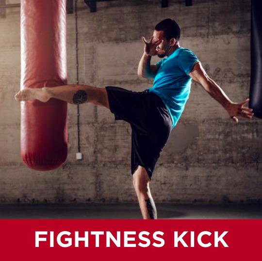 Vår HIIT (High-intensity interval training) kickboxningsklass baseras på fighters tuffa kick- och thaiboxningsträning. Fokus ligger på sparkar och ben, men blandas med slag och förflyttningar. Mellan varje rond kör vi fysövningar som stärker nedre kroppen. DU TRÄNAR PÅ EN EGEN SÄCK.
