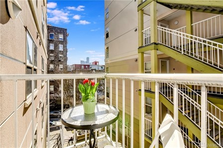 506 HOWELL ST UNIT E208SEATTLE, WA - Sold: $374,500 | 1 Bed, 1 Bath