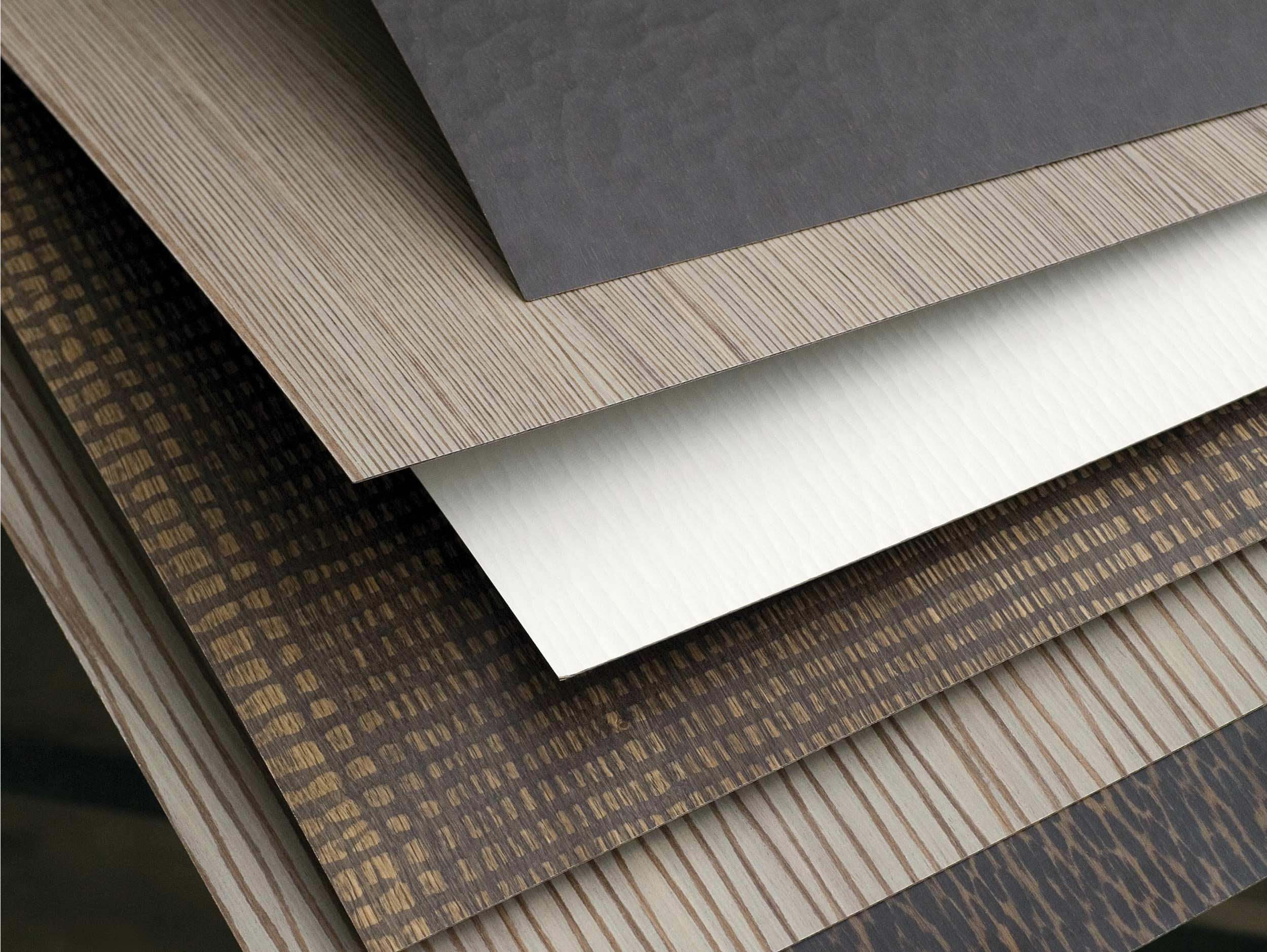 Teksturer og ulike overflatebehandlinger er Obers spesialitet.