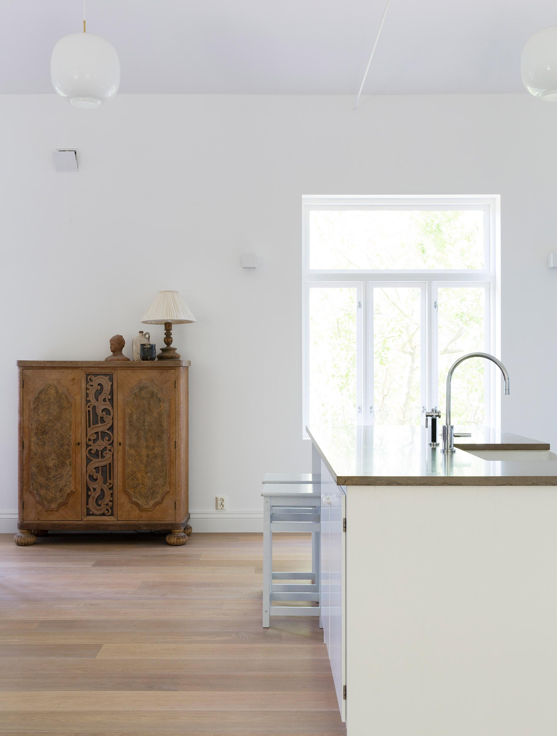 Til denne vakre boligen på Nøtterøy har vi levert Hain Parkett i fargen Cashmeregrey oiled. Se flere bilder fra prosjekter  her
