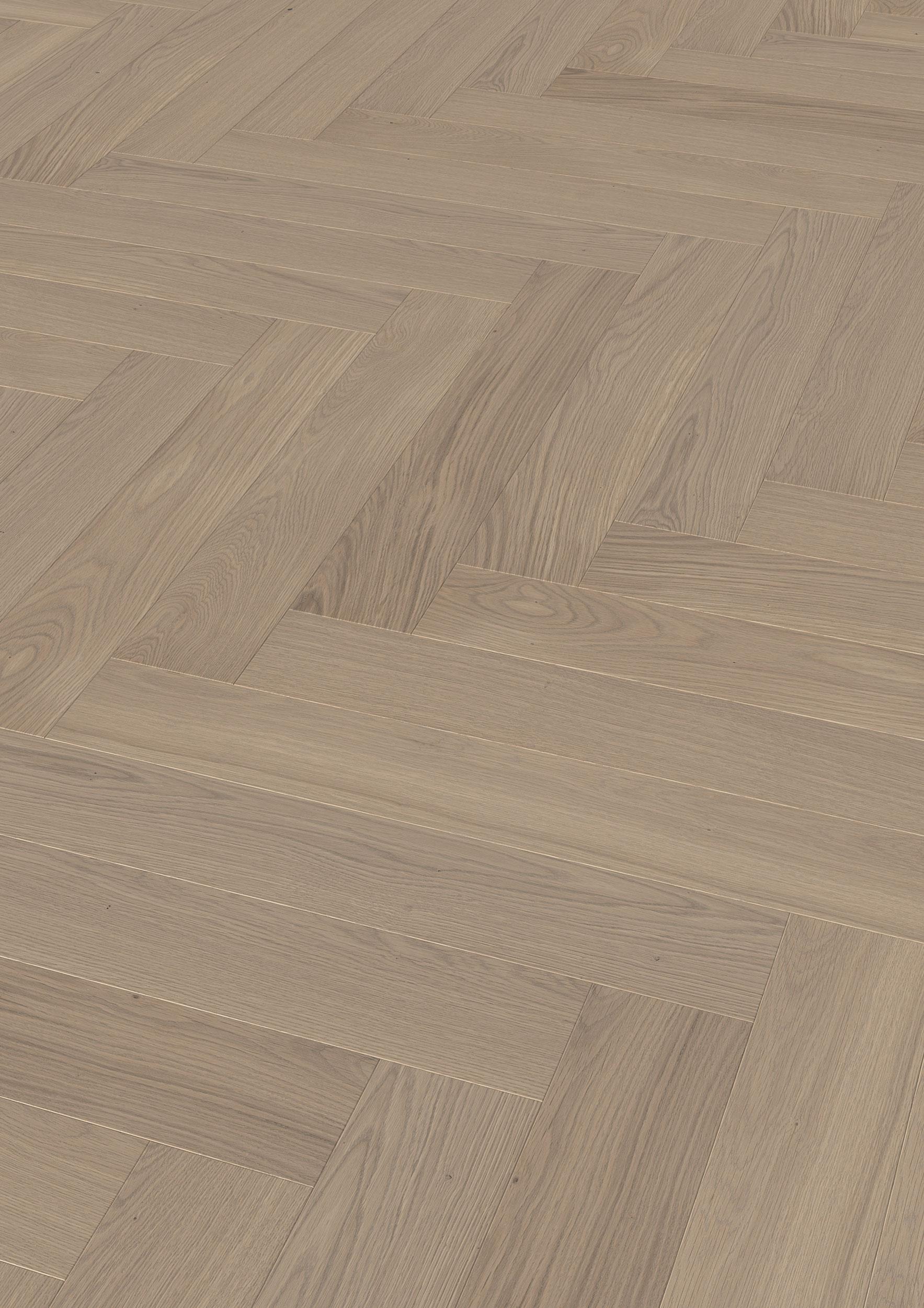 Hains minste plank har dimensjonene 780 x 120 x 11 mm og passer med det til fiskeben, engelsk -og kubemønster. Her avbildet i fargen Pearlgray oiled.