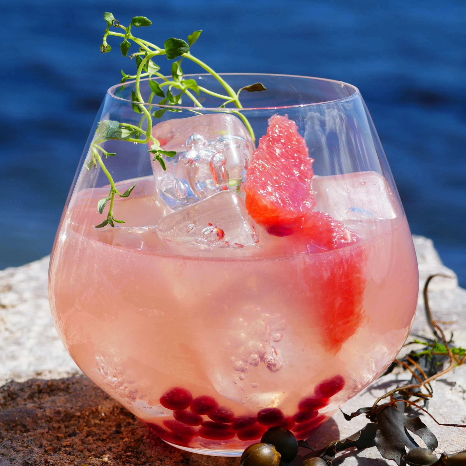 South Westerly non-alcoholic gin cocktail with Sea Arch