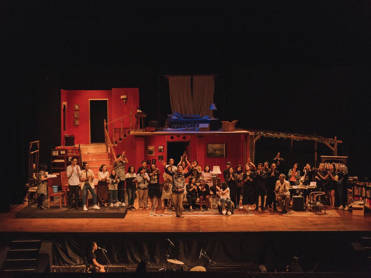 Sumber: Teater Pandora —  Orang-orang dibalik kesuksesan Rumah Rahasia Perempuan