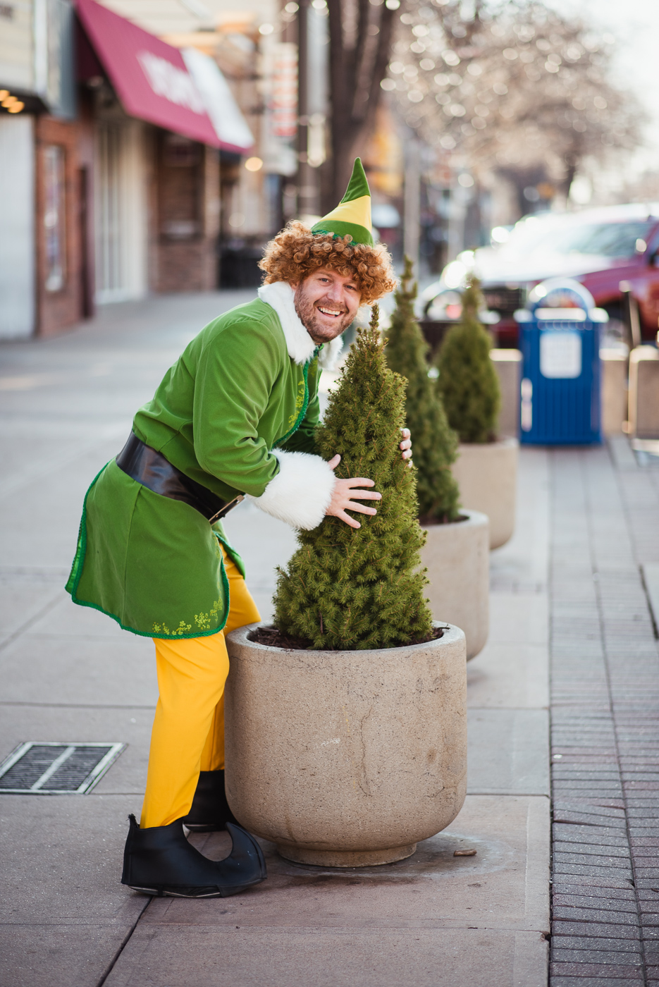 PHOCO Christmas Card Colorado Old Town Fort Collins Photographer Buddy the Elf BTS-4.jpg