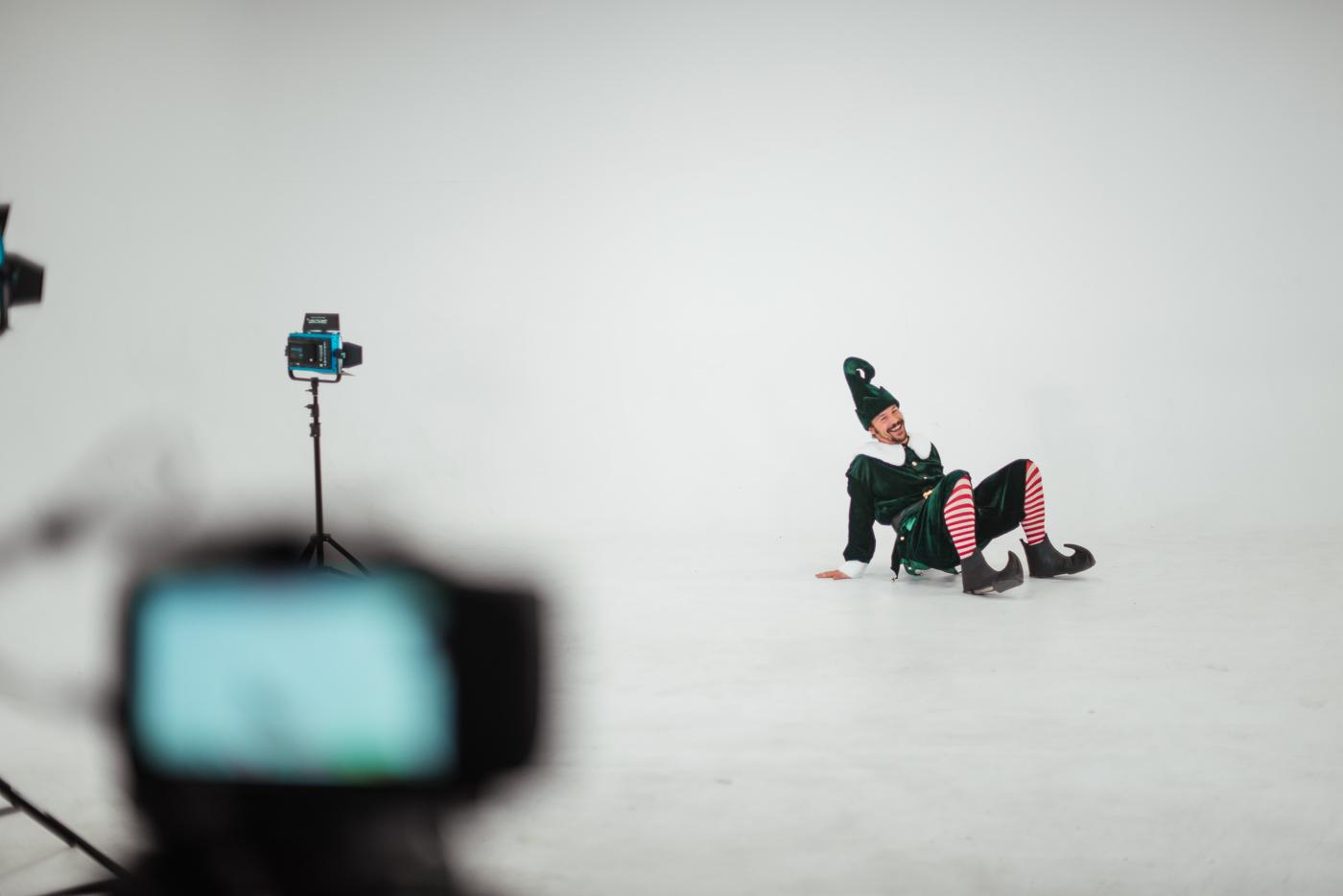PHOCO Christmas Card The Articulate Photo Studio Cyclorama Infinity Wall Colorado Fort Collins Photographer Elf Yourself BTS-24.jpg