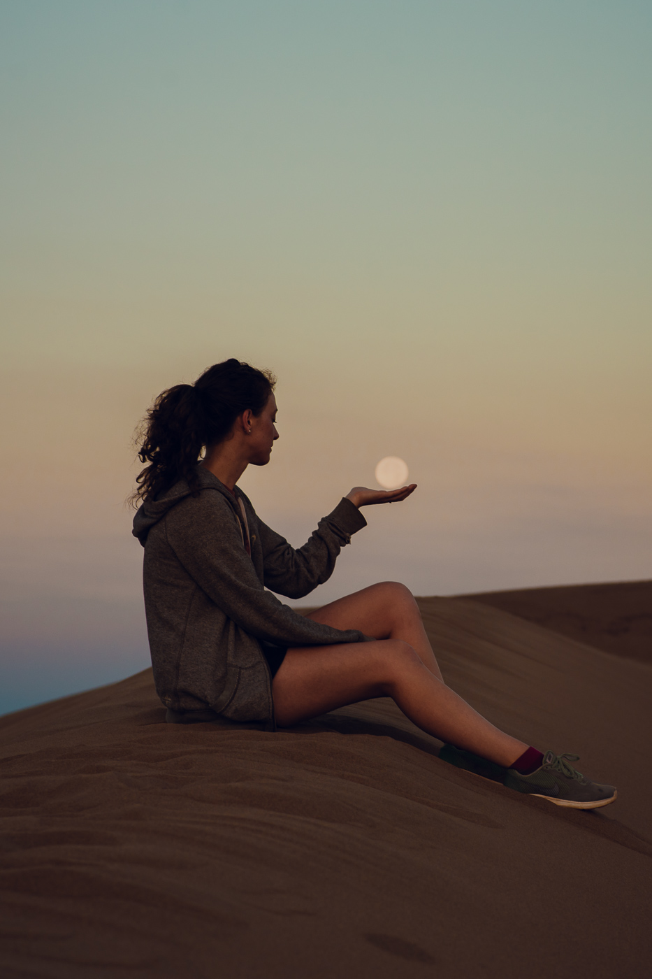 PHOCO Best of 2018 Photograph Fort Collins-30 Sand Dunes Sunrise Moon Hold Moriah Williams.jpg