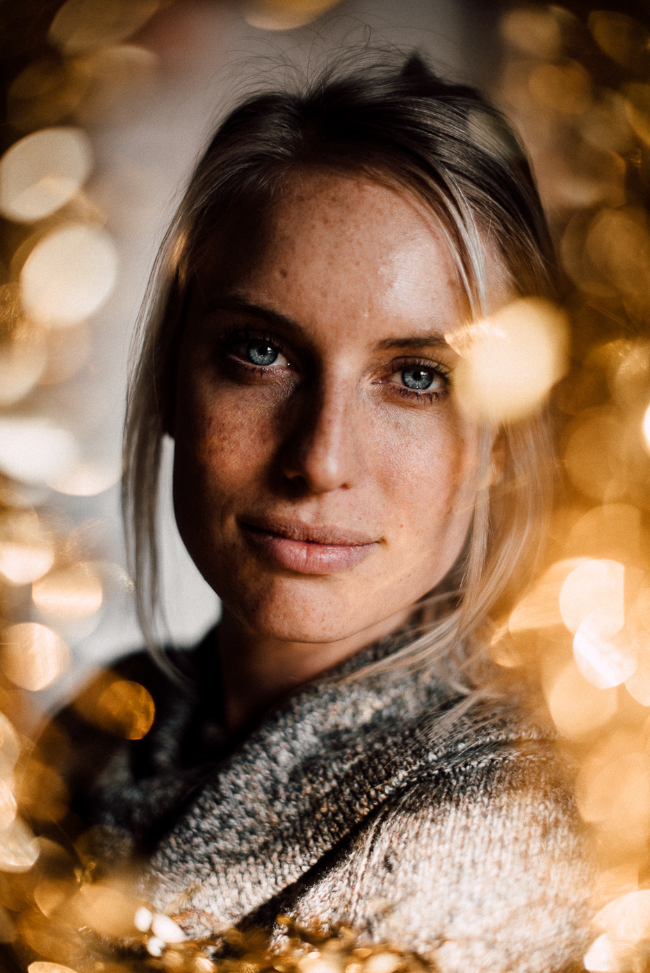 PHOCO Best of 2018 Photograph Fort Collins-54 Portrait Bokeh Gold Christmas Courtney Cyr.jpg