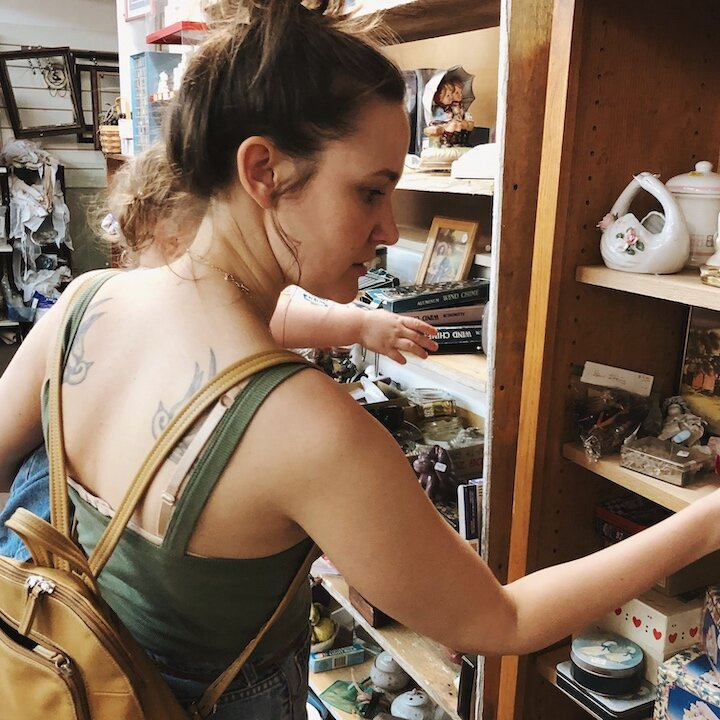 Antique-Vintage-Shopping-101-Complete-Guide-to-Finding-Secondhand-Pieces-that-Work-in-Your-Home-4.jpeg