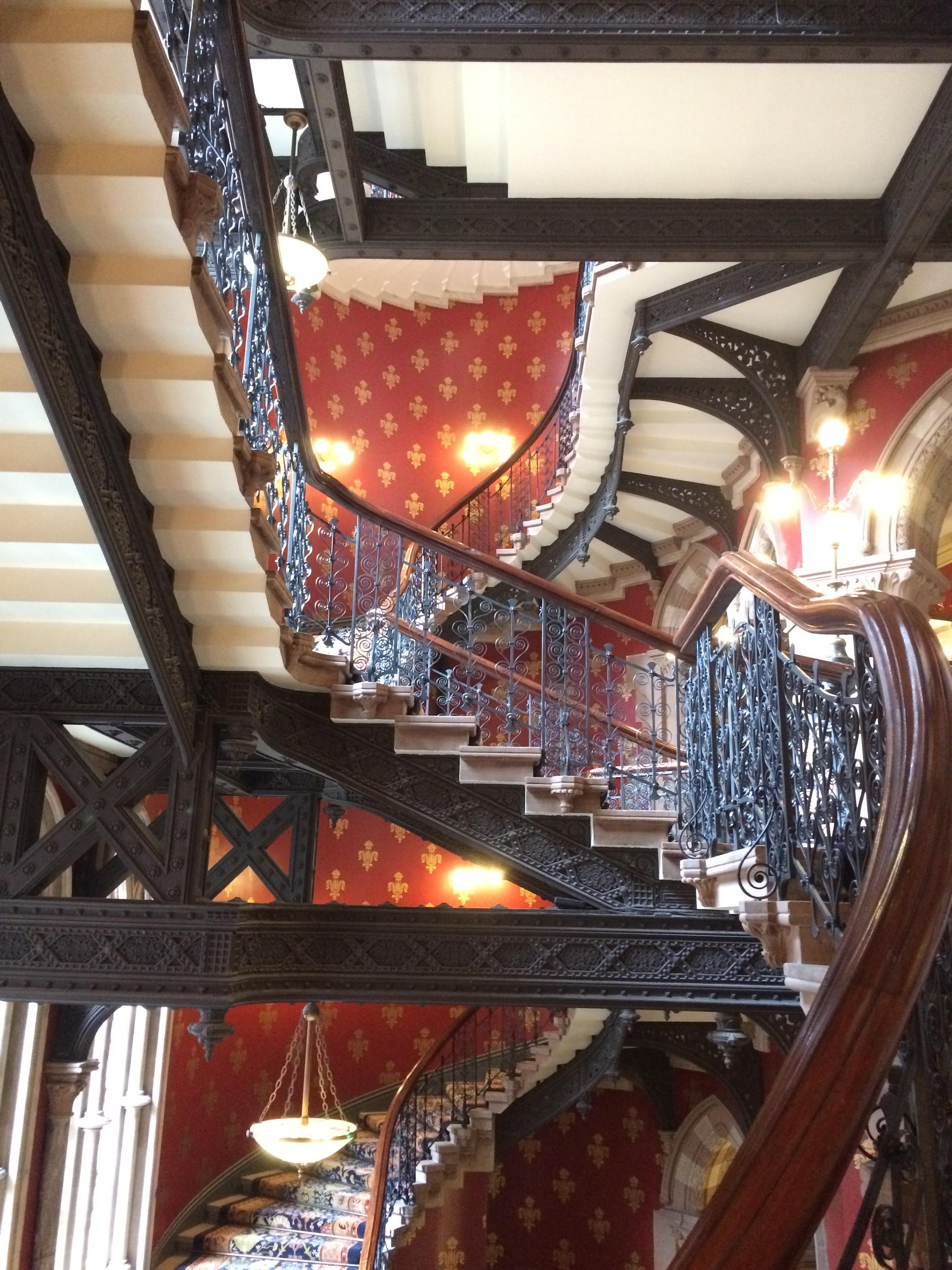 st pancras hotel stair.JPG