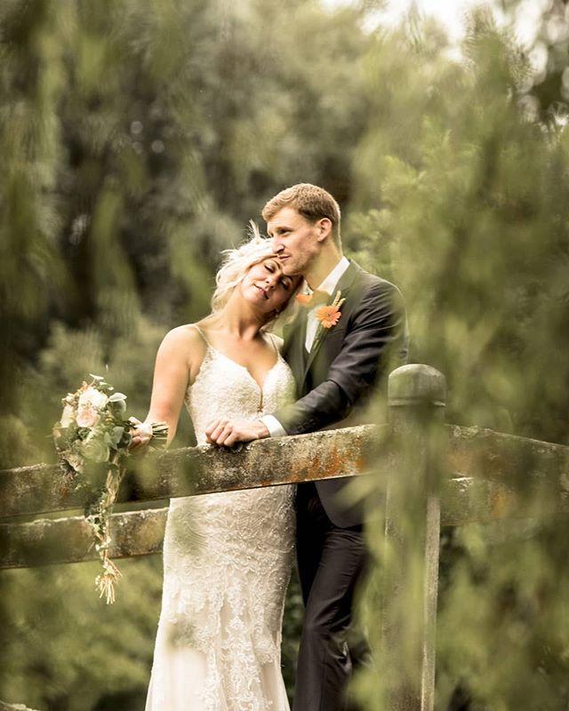 Congratulations @benmooreracing and @s.u.z.y.moore on your beautiful wedding day