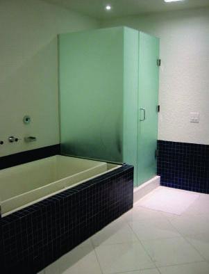 ackerman bathroom.jpg
