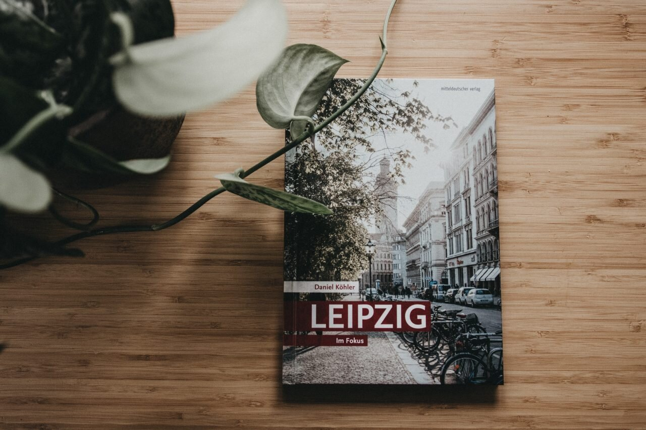 leipzig-im-fokus-bildband-daniel-koehler-annabelle-sagt-mdv-1280x853.jpg