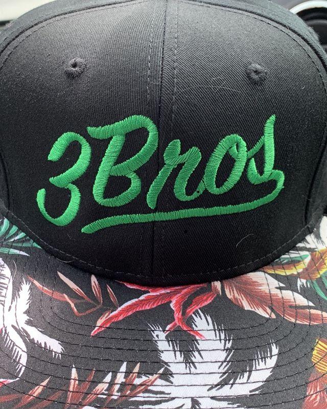 Are y'all with us on some Tropical Flair?🤷♂️Living that exotics life🌴🌴🌴🌴🏄🏼♂️ . . . . . . #thevibesarereal so we are  #cultivatinggoodvibes #3Bros #3BrosGrow #westcliffwellness #3BrosSantaCruz #3BrosPrerolls #3BrosLive #3Broseverything #Hedgefun #CleanMeds# weed #weedporn #cannabis #cannabiscommunity #420 #710 #marijuana #mayjane #weshouldsmoke #tricomes #cbd #weedstagram #hightimes #fun #goodvibes