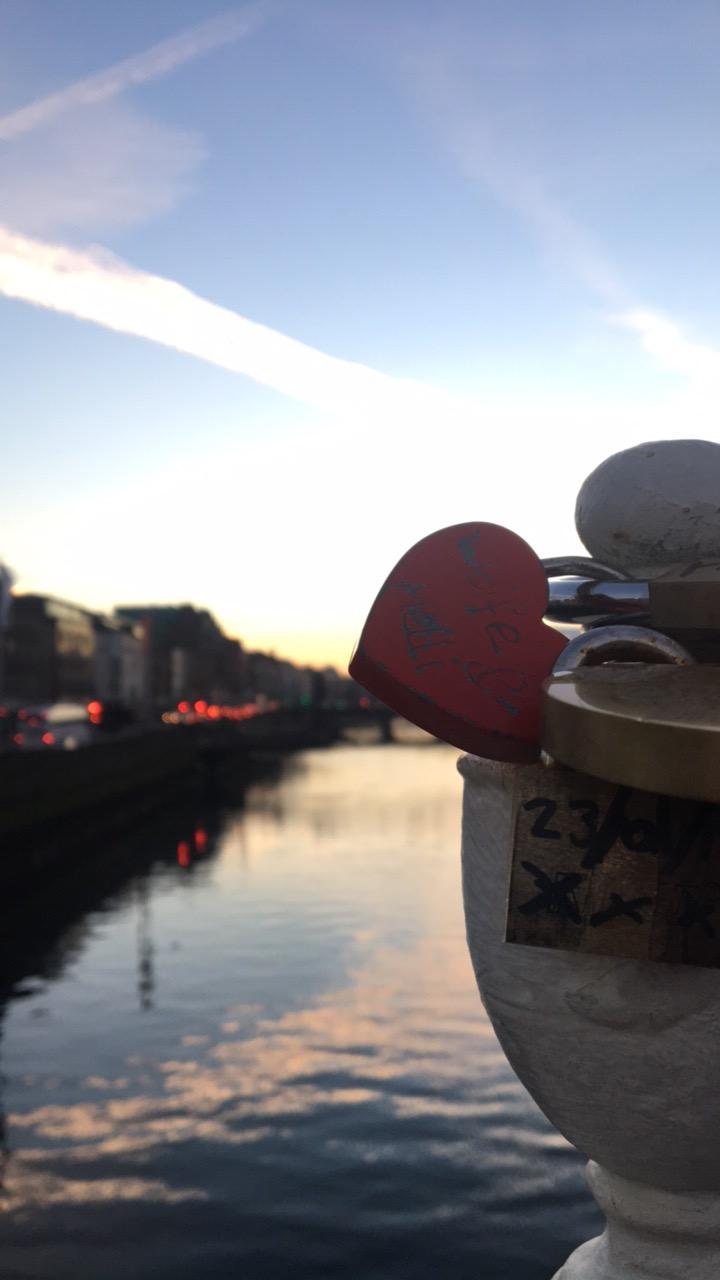 Ha'penny Bridge (Dublin, Ireland)
