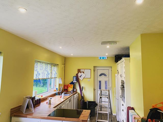 Severe lack of D O W N L I G H T S on here I have noticed, here's some we fitted @ Brookhill Lees in their bungalow, consider your feed blessed with the light of approximately 18 downlights #electrician #lighting #downlights #kitchen