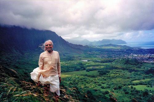 Photo credit: Penney Sing, 1987, Guruji at Pali Lookout, Windward O'ahu, Hawai'i