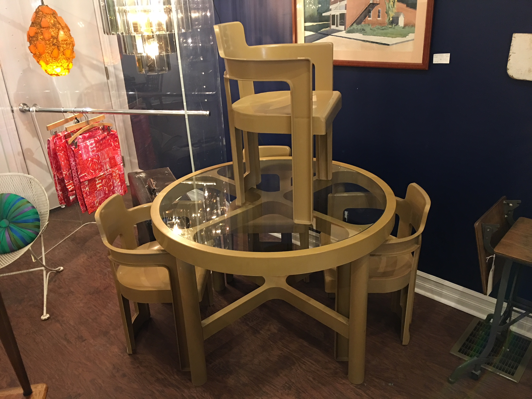 Mod Plastic Dining Set by Syroco.   $295