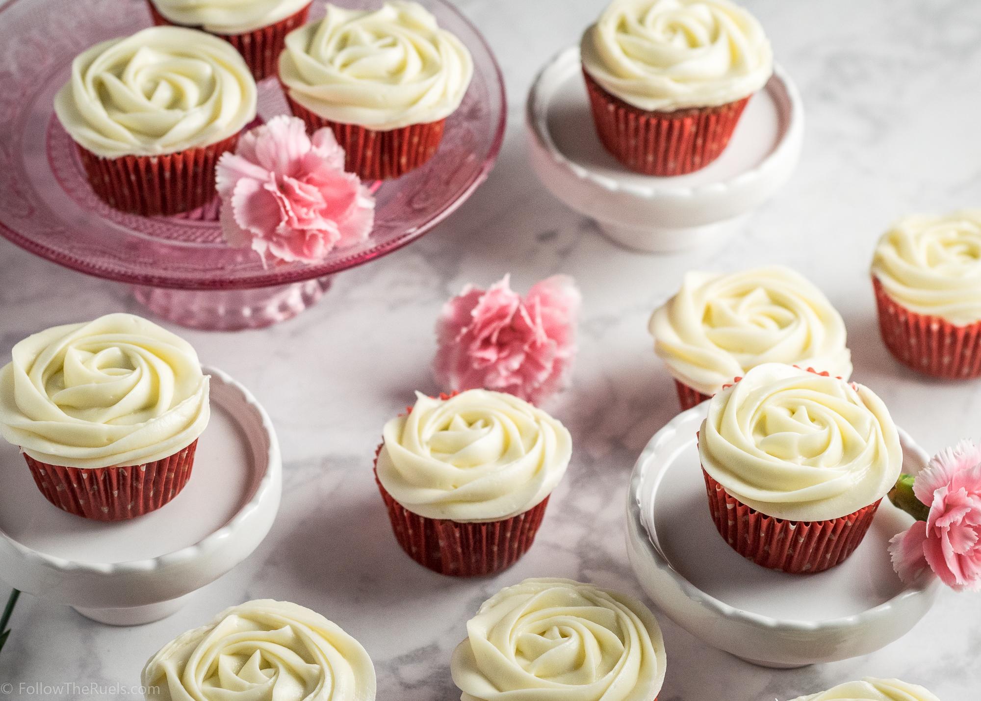Red-Velvet-Cupcakes-4.jpg