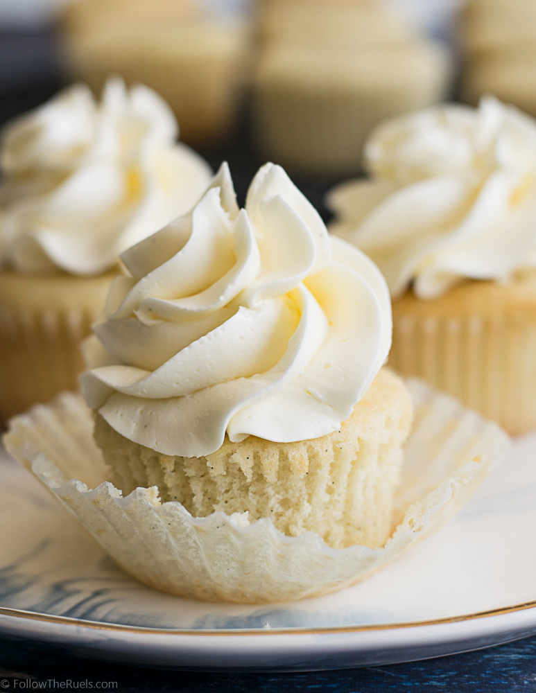 Vanilla-Bean-Cupcakes-17.jpg