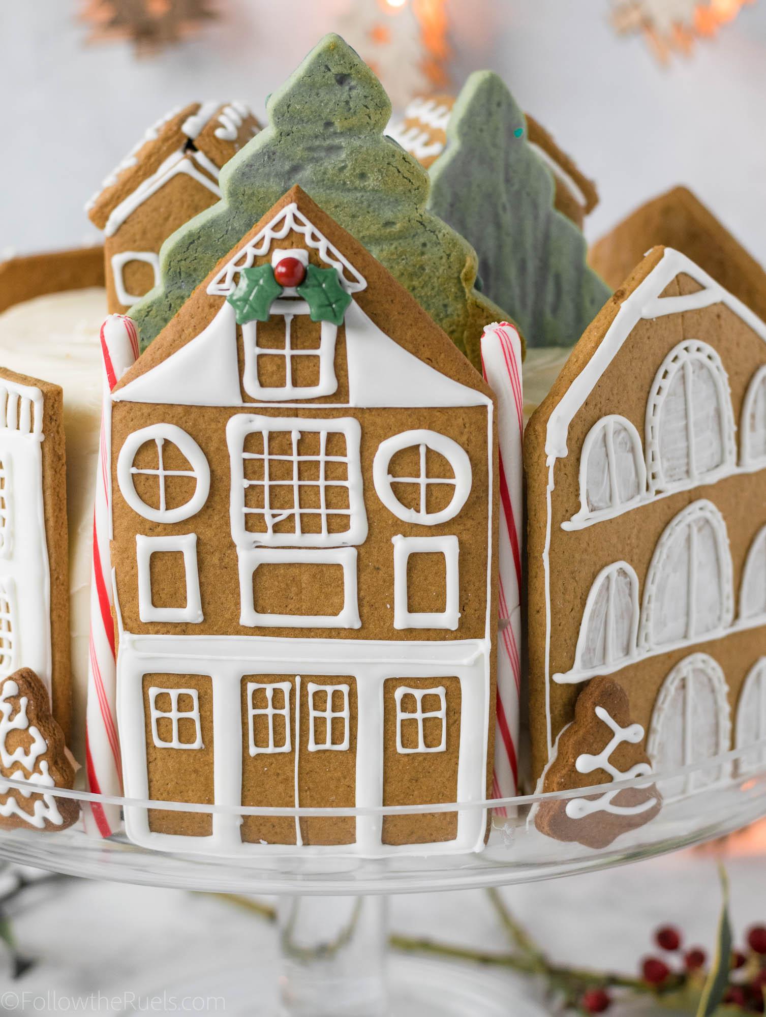 Gingerbread-Village-Cake-17.jpg